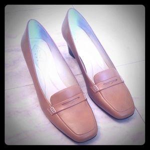 Covington Chelsey heeled loafer